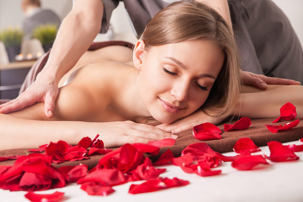 Blonde petite petite girl massage parlor blowjobs